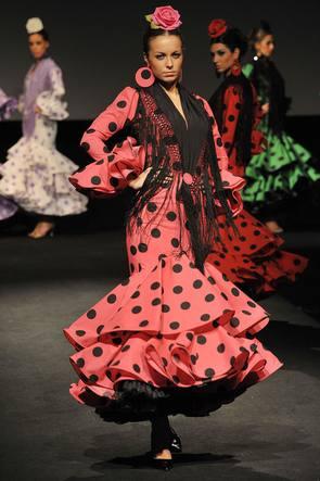 Foto Cristóbal. Pasarela de lina en Expo Flamenca. 14-02-09.