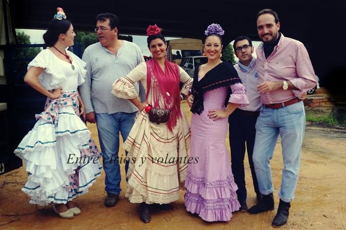 Romería de Valme 2015 Foto Entre cirios y volantes