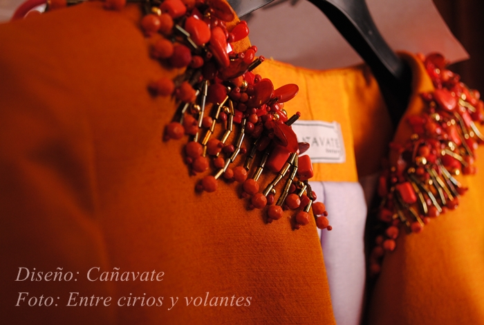 traje de flamenca cañavate foto entre cirios y volantes we love flamenco