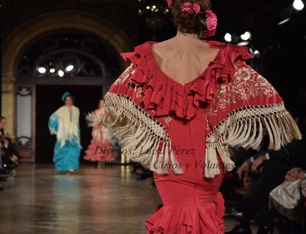Luisa Perez trajes de flamenca 2016 entre cirios y volante
